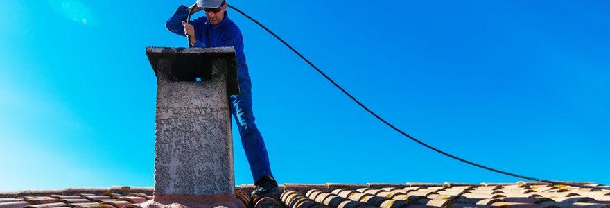 Faites appel à un ramoneur pour votre cheminée