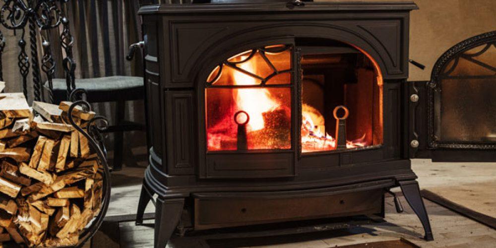 Pourquoi opter pour le bois de chauffage compressé ?